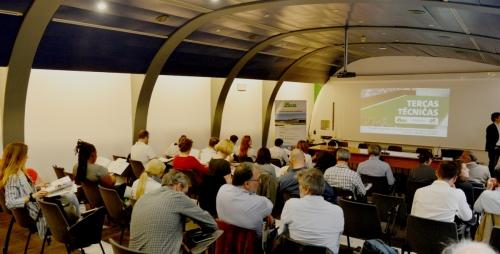A argila expandida na gestão urbana das águas pluviais: Caso das Coberturas Verdes